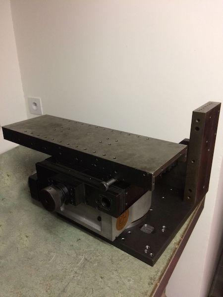 affuteuse maison affûteuse DIY assemblage potence vue de derrière avec diviseur et table croisée